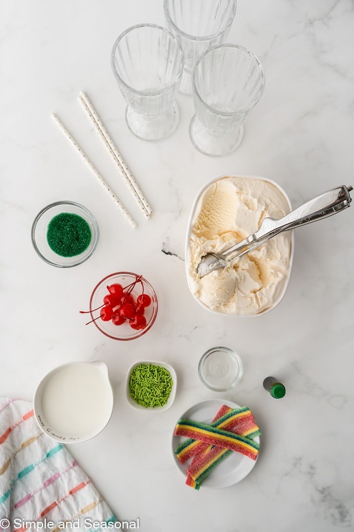 ingredients shot: vanilla ice cream, green food coloring, mint extract, candies