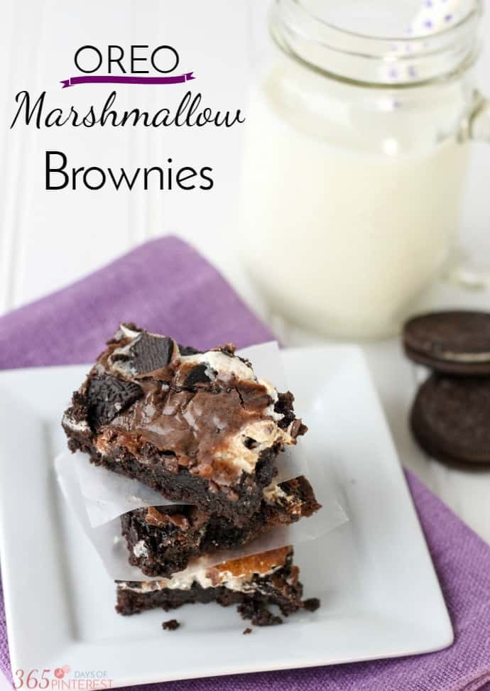 This simple recipe for OREO Marshmallow Brownies will satisfy all your chocolate cravings! chocolate | dessert | Oreos | brownie recipe | via @nmburk