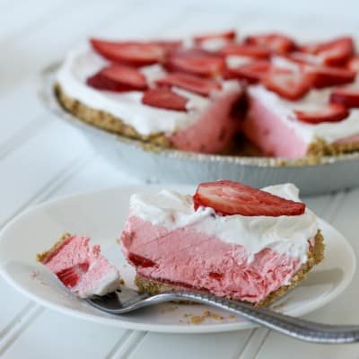 Strawberry Creamsicle Pie