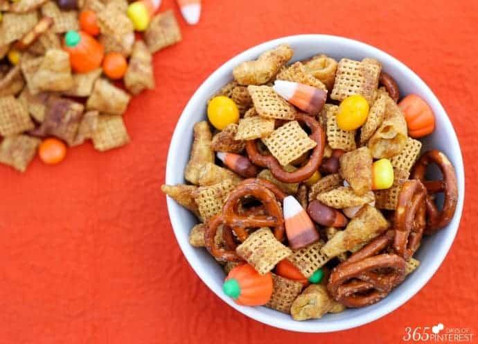 pumpkin-spice-snack-mix-wide