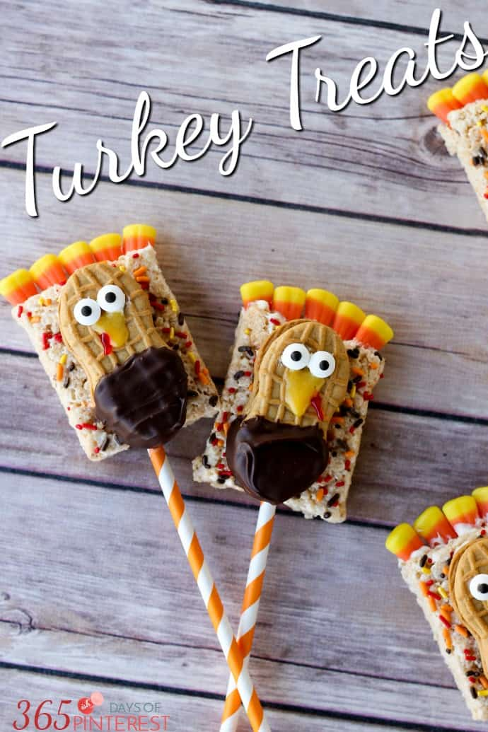 These Turkey Treats are perfect for class parties, the kids' table for Thanksgiving or just as a fun activity to do in the kitchen with your kids! via @nmburk