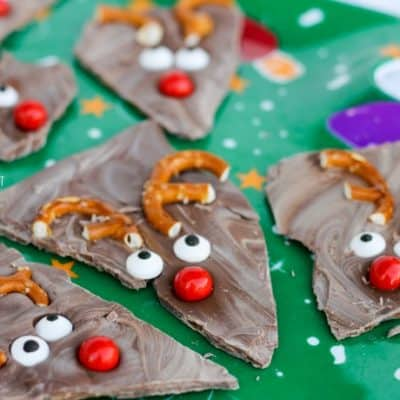 A quick and easy dessert, Reindeer Bark is a great recipe for Christmas. It's perfect for the kids!