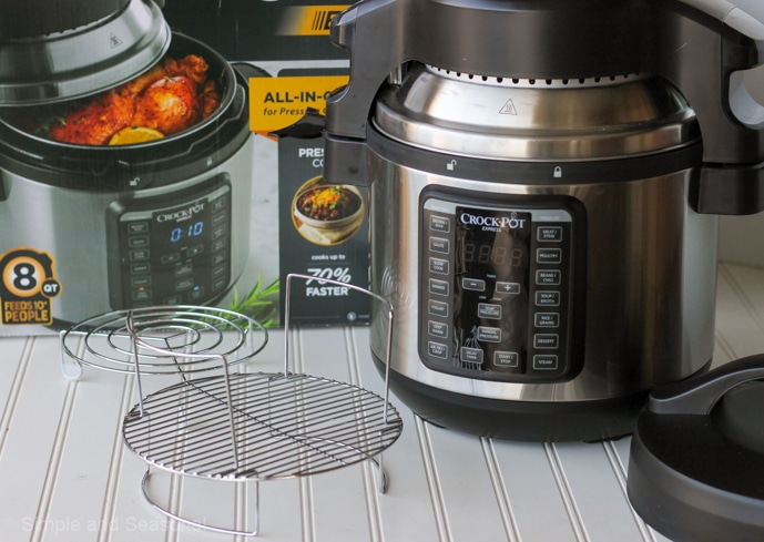 Crockpot Express Crisp and its accessories