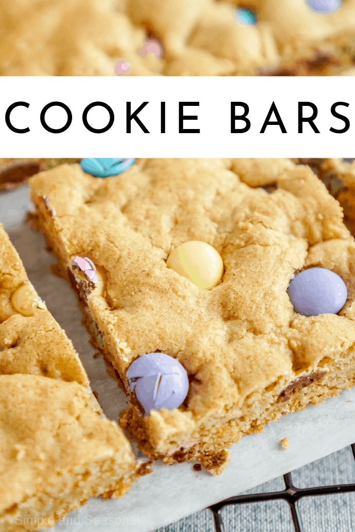 With just a few ingredients found in your pantry, you can make a delicious tray of Easter Cookie Bars to celebrate spring! via @nmburk