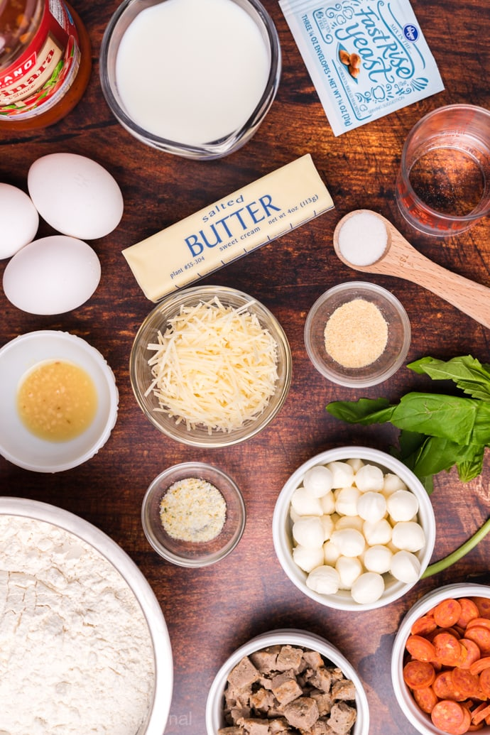 garlic butter pizza monkey bread ingredients